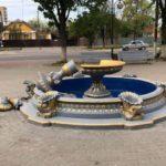 Украинка сломала фонтан, пытаясь сделать на нем фотографию