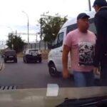 Агрессивный водитель напал на студент