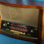 Зачем радиоприемникам AM-диапазон, если там одни помехи