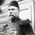 Как в Албании короновали проходимца