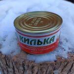 Как открыть консервную банку без открывашки и ножа