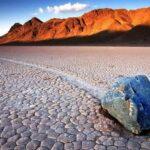 Долина Смерти. Кто двигает камни?