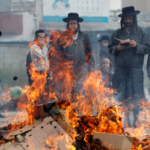 Зачем в Израиле устраивают массовое сжигание хлеба