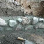 Как сделать подпорную стену из камня своими руками