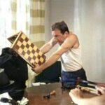 Проигравшего в шашки убили за отказ кукарекать с балкона