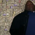 Как денежные купюры в кино снимают