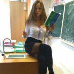 У таких сексуальных учительниц я бы поучился