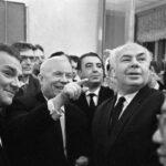 """""""И с этой мазней мы пойдем в коммунизм?"""" Как выглядит картина, что выбесила Хрущева"""