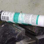Простой способ очистки наждачной бумаги