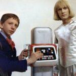 Откуда был позаимствован образ робота Вертера для «Гостьи из будущего»