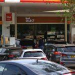 Драки за бензин на заправках в Англии