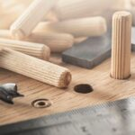 Как сделать деревянные шканты с помощью самодельного кондуктора